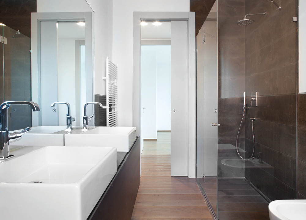 En Suite Bathrooms For Small: Eclisse Pocket Doors For Bathrooms : A Small Bathroom Or